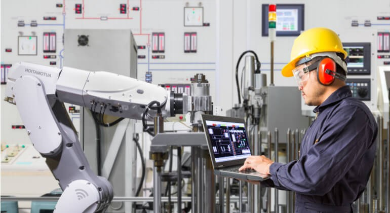 Top-10-IoT-Trends-In-Manufacturing