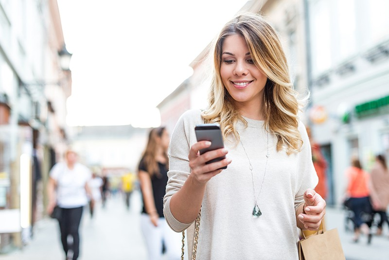 Customer connecting to specialized eCommerce experience through smart phone