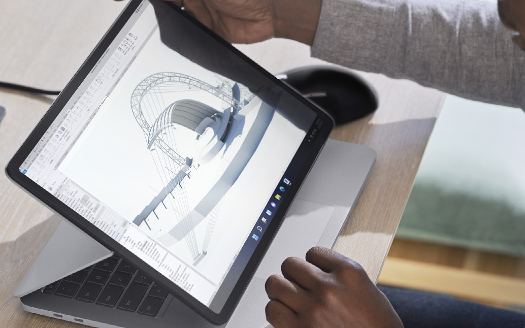 microsoft-surface-studio-2-lifestyle-with-surface-pen